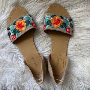 Floral flat sandals